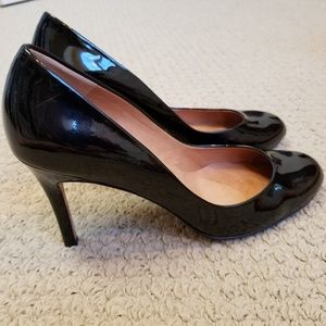Ann Taylor black patent leather heels